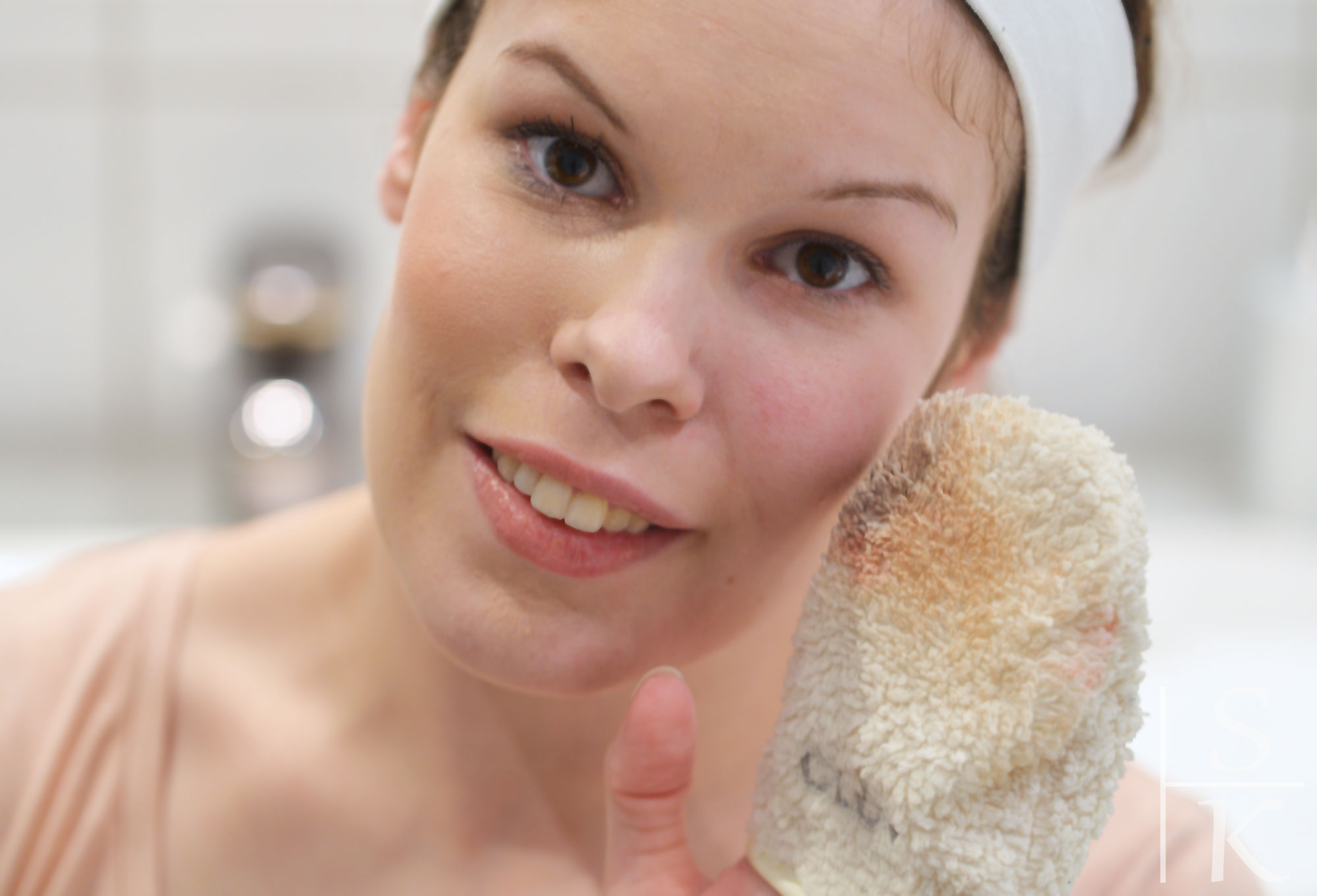 Glov-Gesichts-Reinigungs-Handschuh-10