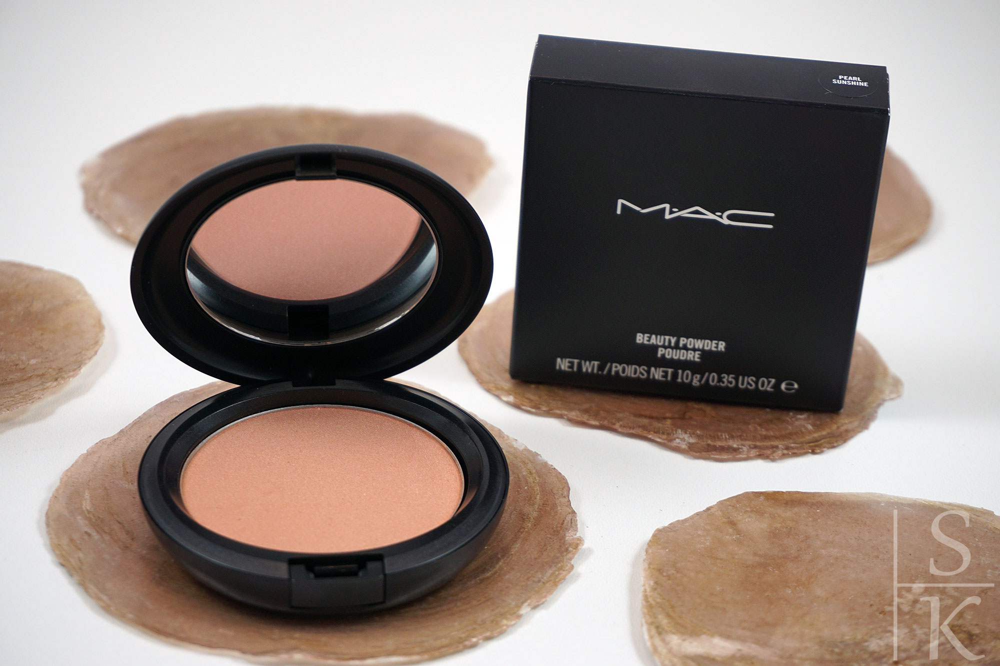MAC-Beauty-Powder-Poudre-Pearl-Sunshine-02