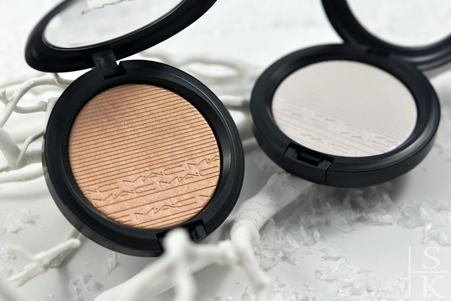 MAC - Extra Dimension Skinfinish Show Gold und Soft Frost