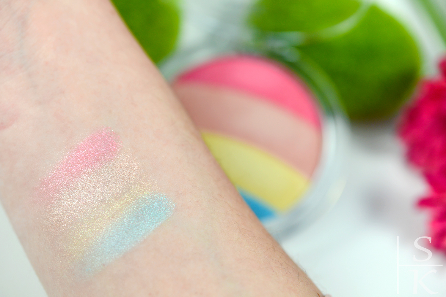 Essence Prismatic Rainbow Glow Highlighter