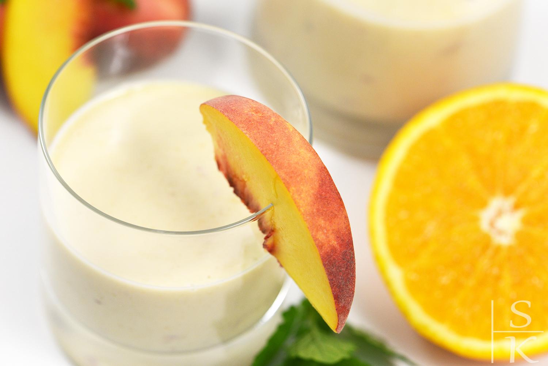 Rezept Pfirsich-Orangen-Lassi mit Ingwer und Kardamom @Saskia-Katharina Most, Horizont-Blog