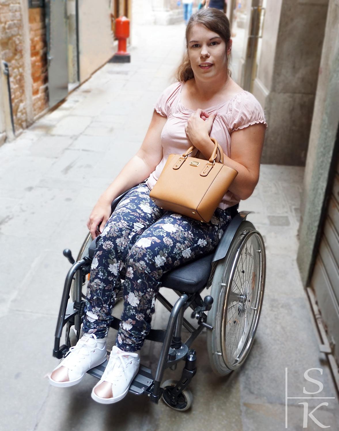 Outfit Easy Wear im Allover-Print @Saskia-Katharina Most, Horizont-Blog