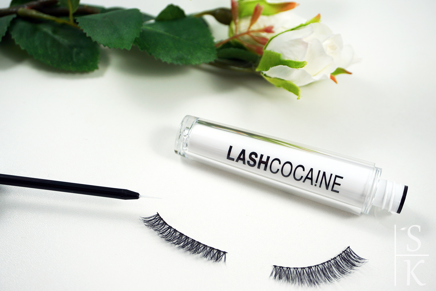 Review - Svenja Walberg Lashcocaine Wimpernserum @Horizont-Blog